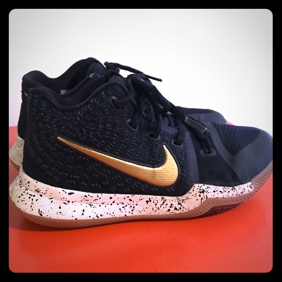 los angeles b4ef7 0a49f Nike Kyrie 3. Navy blue and gold. Youth size 1.5